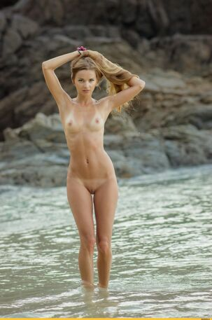 young skinny nudist
